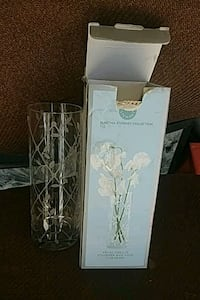 white and gray floral candle holder Riverside, 92505
