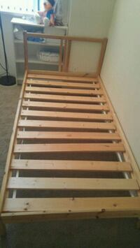 Twin wooden bed frame Burnaby, V5A 3Z1