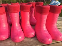 Pink and grey rain boots with insulation for winter up to -30 degrees Celsius   Made in Poland extremely light weight 100% waterproof have kids and women's various sizes --- *Brand New* from toddler to women's Sz 11 London, N6H 5X3