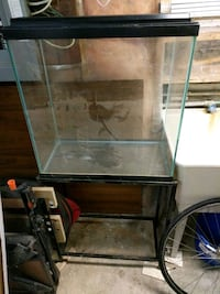 135l fish tank with stand, heater, light and filte Toronto, M6S 2Y8