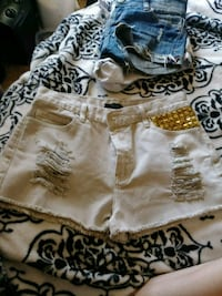 Forever 21 Off white with gold and colored pockets Bonner Springs, 66012
