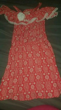 Size 4 kids dress Modesto, 95357
