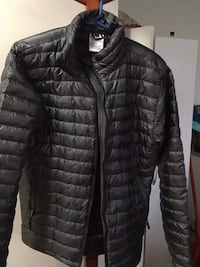 Ladies black zip-up bubble jacket size small reduced price