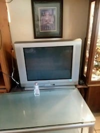 Large older box tv 35in Saint Marys, 31558