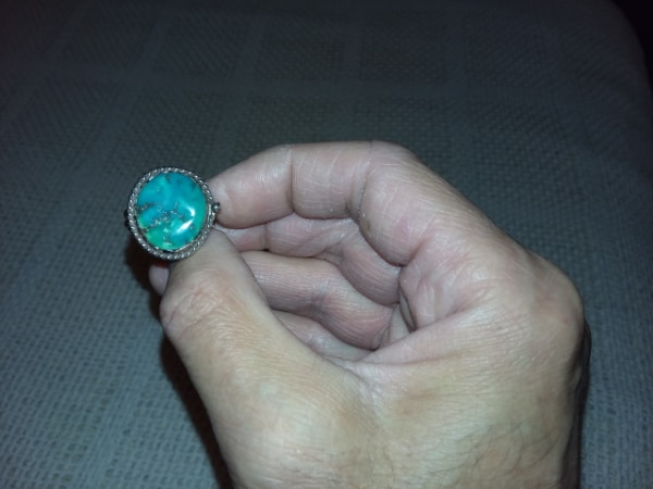 Vintage turquoise and Sterling silver ring.Size 8/8.25.From 1970's.