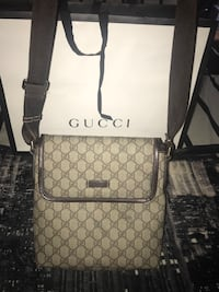 Gucci crossbody mini gg supreme bag Delta, V4E 2L7