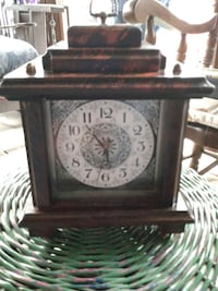 Clock mantle style 08094, 08094