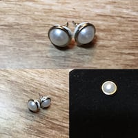 Pearl Stud Earrings Montreal, H4N 3B7