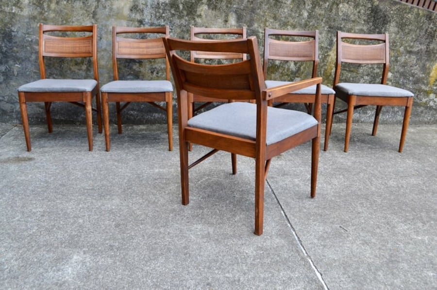 Mid Century American of Martinsville dining table 6 chairs/3 leaves e7eaf867-e4a3-4ce1-a5a4-b406e4004611