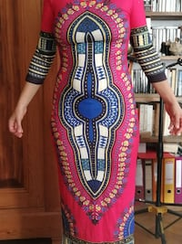 Robe africaine à col rond