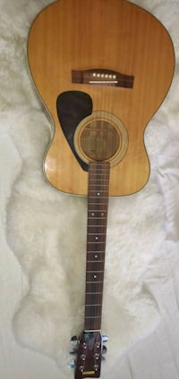 Yamaha Acoustic Guitar FG-331 Willow Springs, 60480