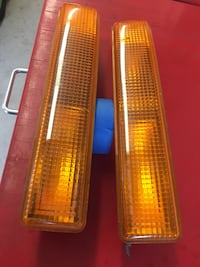 1998-2003 Chevy s10 park lights in good condition  Riverbank, 95367