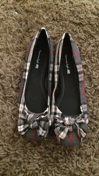 women's gray-red-and-black flats New York, 10465