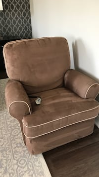 Rocker Recliner with power remote Vaughan, L6A 4X4