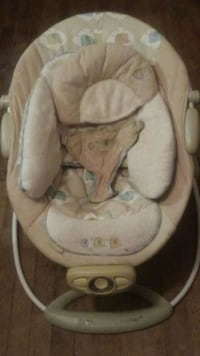 baby's white and gray bouncer Niagara Falls, L2E 3L9