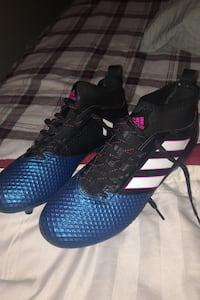 Soccer cleats size 8 1/2 and size 8 Brampton, L6R 1V7