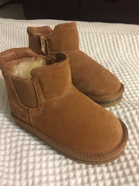 BRAND NEW size 10 - Designs by Malu boots Edmonton, T5R 5N5