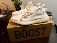 YEEZY BOOST 350 V2 TRIPLE WHITE Chicago, 60642