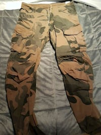 G star  army pants size 32 tight fit Laval, H7L 0B5