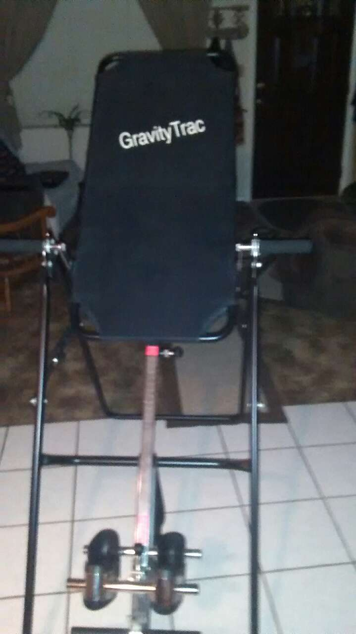 Beau Black And Gray Gravity Trac Inversion Table