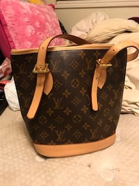 Brown Louis Vuitton purse Surrey, V3W 5Z7
