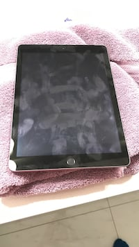Ipad 32gb with cellular 9.9/10