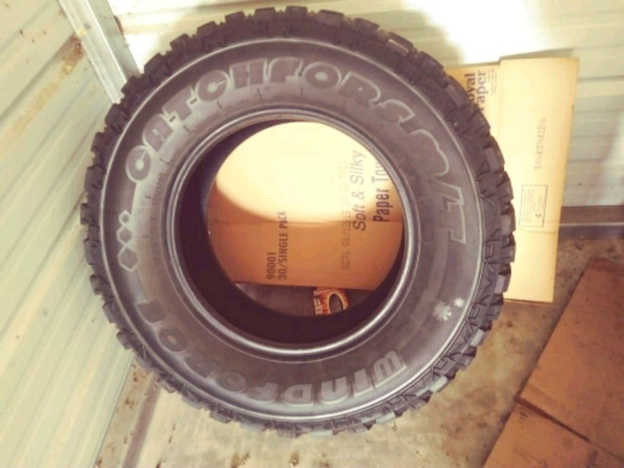 Photo 4 USED Tires 285/70/R17 only $120.