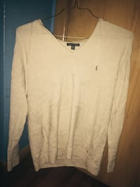 white/beige v-neck sweater with prints