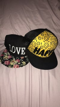 black and white fitted cap Centre Wellington, N0B 1S0