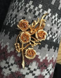 Gold Plated Rose Broach/Pin. *Price is negotiable* 3156 km