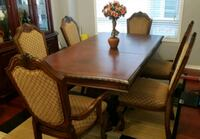 Dining Table and 6 Chairs Brampton