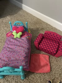 doll bed, futon, and rug  Murfreesboro, 37130
