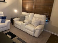 White leather living room set Virginia Beach, 23451