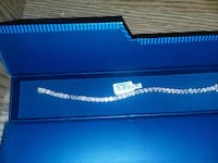 $30 never been used pink dimond braclet Parsonsburg, 21849