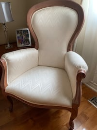 Italian Made accent chair with mohagany wood