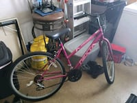 Almost new 26 in girls bicycle  Fayetteville, 28303