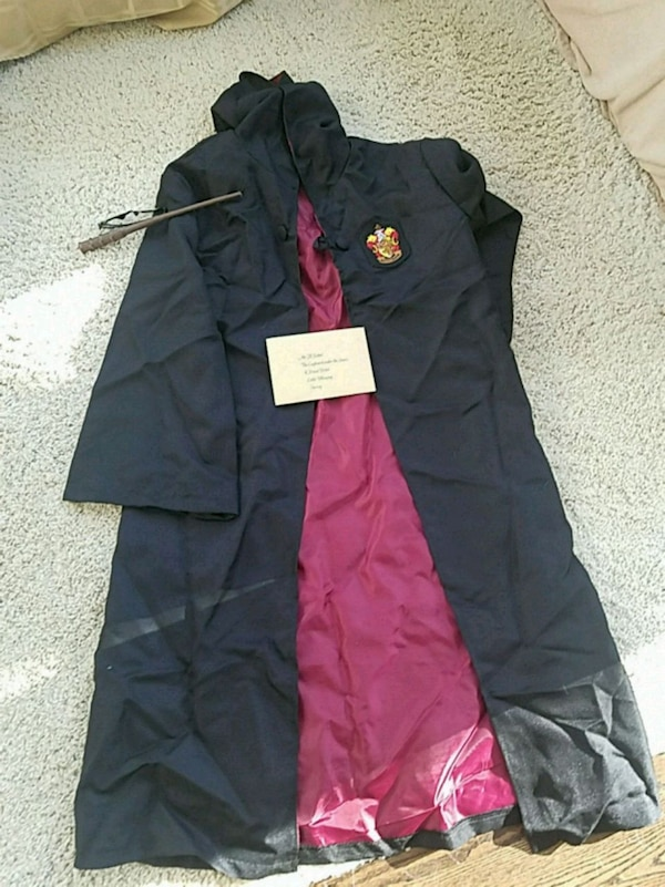 Harry Potter Cape and accessories  0