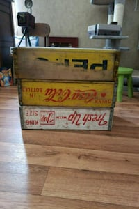 Antique bottling crates Youngsville, 70592