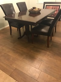 Dining room table Cypress, 77433