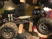 Savage HPI 1/8 scale monster truck with upgraded phantom big block chrome motor Bakersfield, 93307