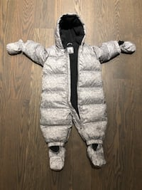 Kid's snowsuit by The Gap (6 to 12 months) Toronto, M2N 1T4