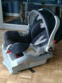 Graco Baby Car Seat with Detachable Base!