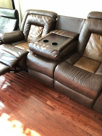 Beautiful Leather recliner sofa with cup holder for sale Chantilly, 20152