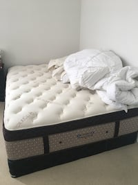 Almost new matress and matress box, organic cotton, hypoallergenic and excellent quality  Toronto, M2K