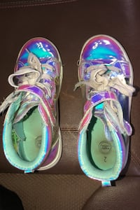 Shoes girls size 2  Mount Airy, 21771