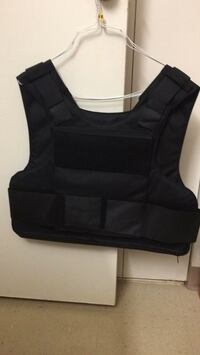 Bullet proof vest Brandon you for hundred dollars price not negotiable 15 km
