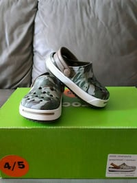 Crocs size 4-5  Burlington, L7P 2S1