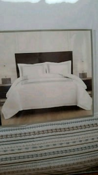 3 piece bed set Comforter/King size