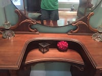 Antique dressing table. Had some black spotting on mirror. Part of its charm Fairfax Station, 22039