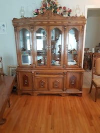 Dining room hutch Vaughan, L4L 1S2